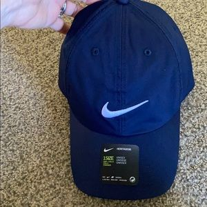 Nike Golf Navy blue Heritage86 swoosh hat